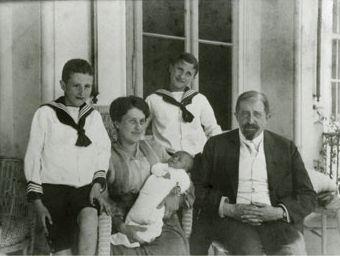 Rodina Placzkových v dubnu 1918