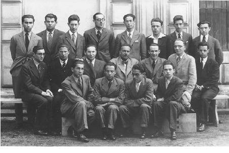 8. tř. 1934/35 Alfred Drachmann 2. zleva v horní řadě, prof. Friedrich Frankl uprostřed 2. řady