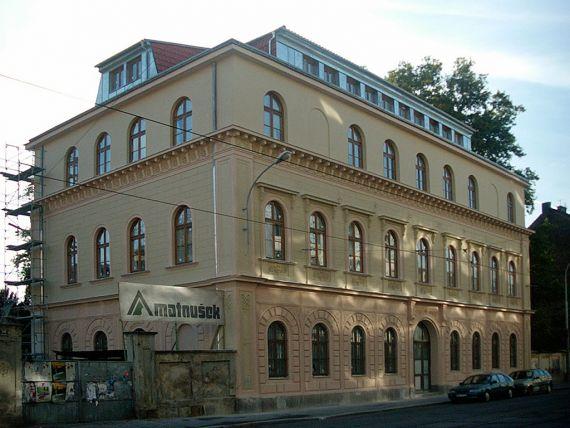 Budova bývalého ŽRG v současnosti (foto Z. Prudilová)