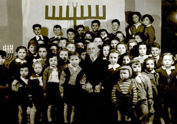 rabin-feder-a-deti-na-chanuka-1957-preview